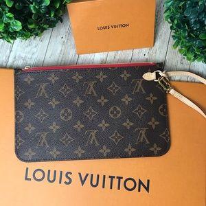 New ⚜️ Louis Vuitton | Neverfull Monogram Clutch
